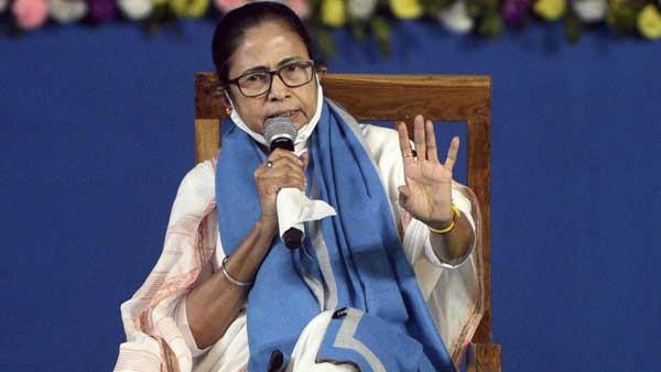 Mamata Banerjee slams PM Modi, says Centre indulging in political gains