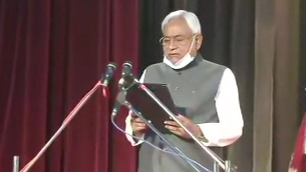 Bihar swearing-in-ceremony LIVE: Nitish Kumar takes oath as CM for fourth straight term