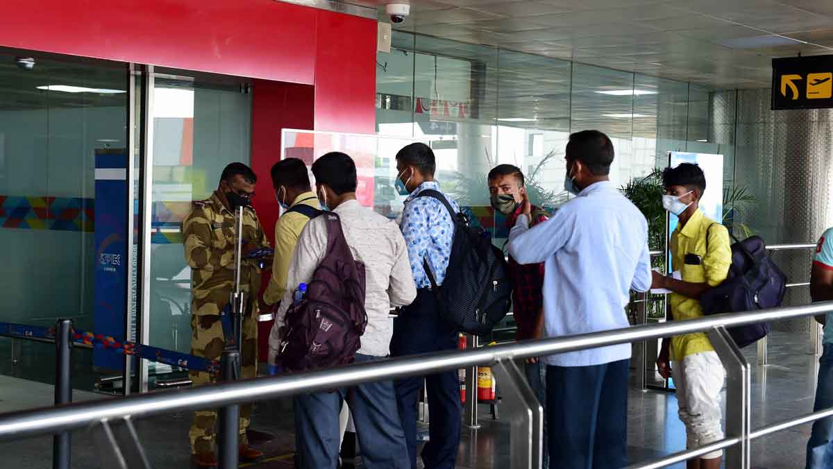 From today, passengers arriving in Mumbai to carry negative COVID-19 test report