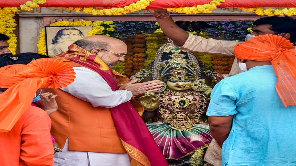 GHMC polls: Why Hyderabad's Bhagyalakshmi temple has become centre of BJP's campaign