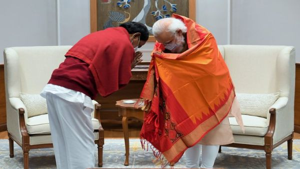 Telangana CM KCR meets PM Modi, discusses pending state issues