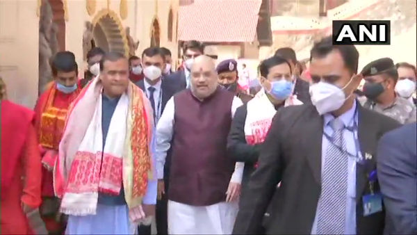 Amit Shah offers prayers at Assams Kamakhya temple