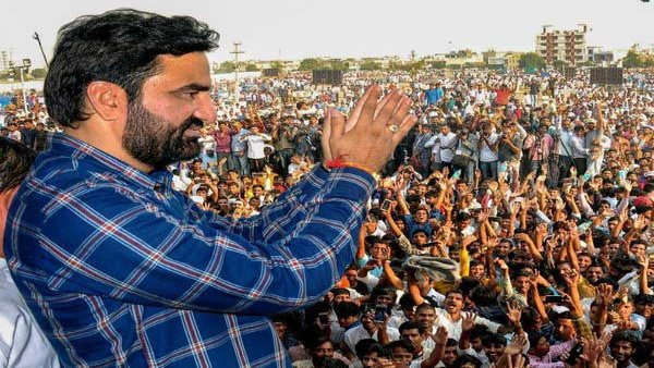 BJP ally Beniwal joins farmers protest in Rajasthan