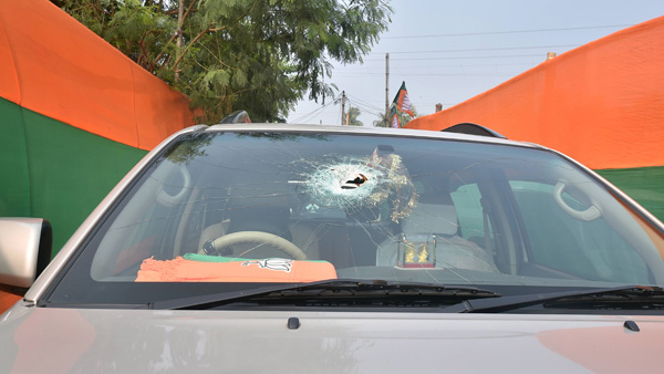 Miscreants hurl stones at BJP chief JP Nadda's convoy in West Bengal