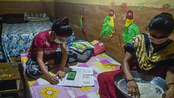 Coronavirus impact: Schools in Pune suspend online classes over non-payment of fee