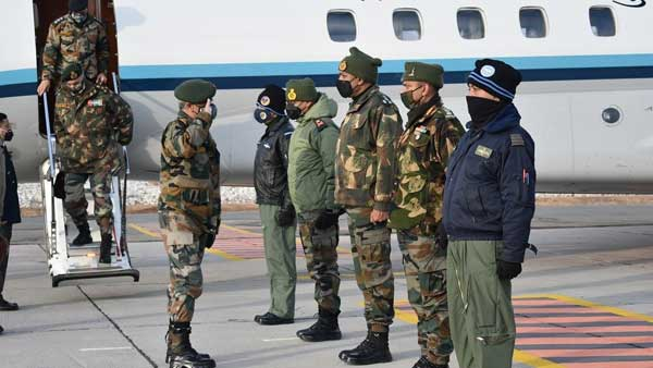 Army chief, Gen Naravane arrives in Leh on one day visit