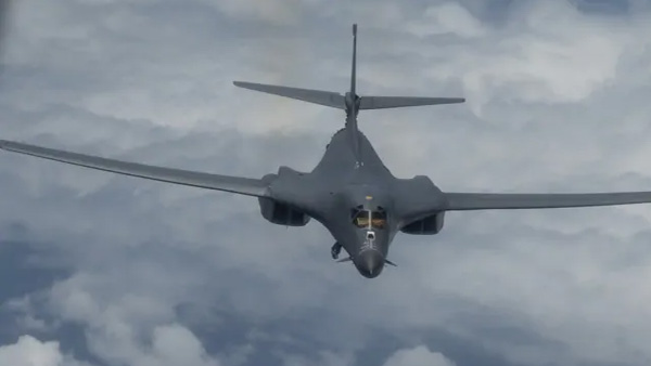 US B-1B Long-Range Heavy Bomber to perform at Aero India