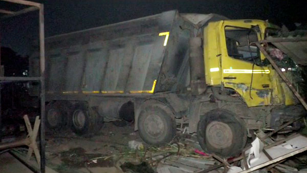 Gujarat: 15 migrant workers killed after truck runs over them; PM Modi condoles tragedy