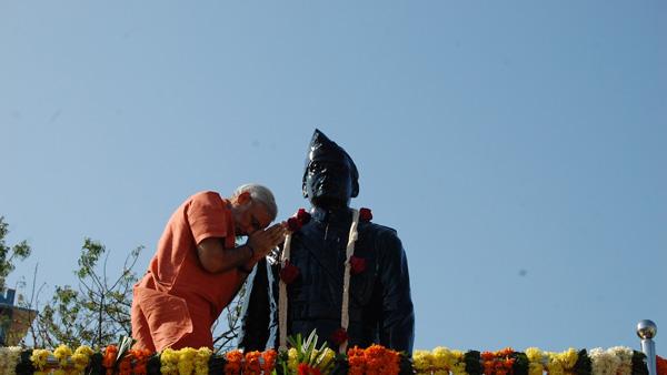 PM Modi pays tributes to Netaji Subhas Chandra Bose on his birth anniversary