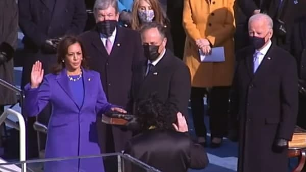 Kamala Harris gives sendoff to Pence on Capitol steps