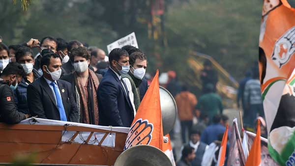 Rahul Gandhi leads Congress protest in support of agitating farmers