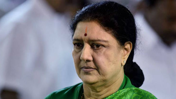 Sasikala heads to poll-bound Tamil Nadu, flaunts AIADMK flag on her car