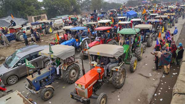 SC notice to farmer unions on plea to stop R-Day tractor rally
