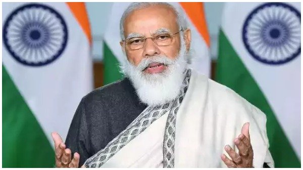 <strong>Covid Vaccine Rollout: PM Modi warns against politicians jumping vaccine queue</strong>