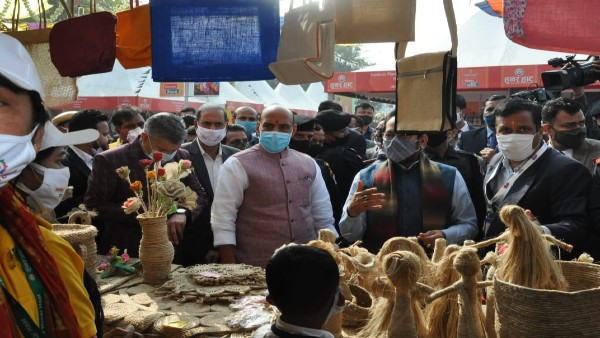 Vocal for Local: Rajnath Singh inaugurates 'Hunar Haat' in Delhi