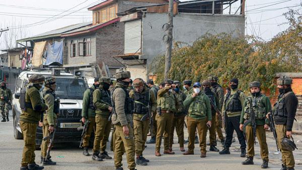 Two associates of Lashkar arrested in J&K