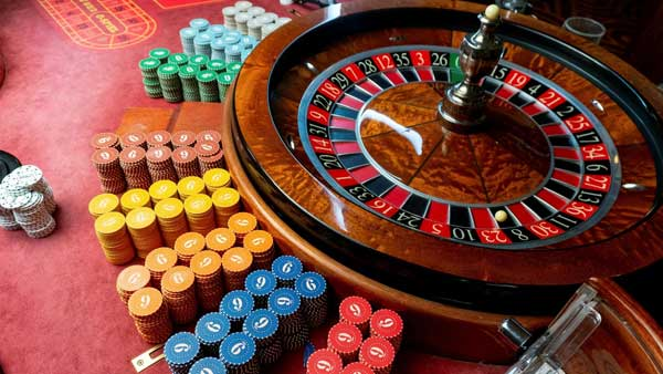 14 arrested after cops bust illegal casino in Delhi