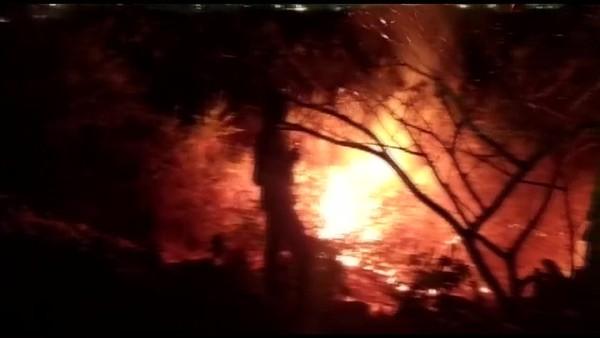Bengaluru: Fire breaks out near Bellandur lake, triggers panic