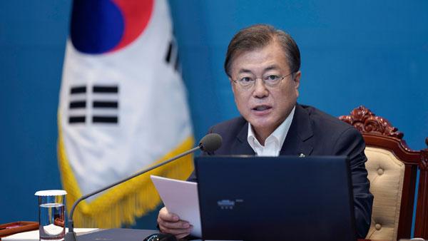 South Korea, Japan must look to improve ties: Moon