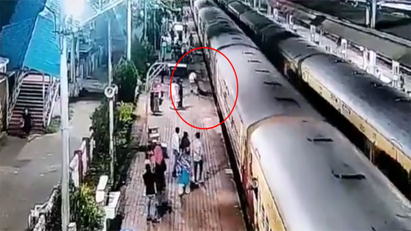 Watch video: Life saving act by RPF personnel at Goa station
