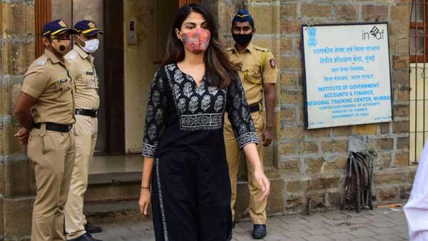SC to hear NCB's plea challenging Rhea Chakraborty's bail