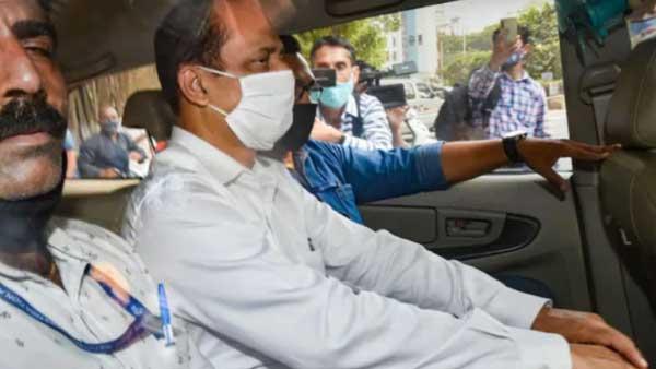 With Sachin Vaze, NIA, forensics team re-create crime scene outside Ambani's home
