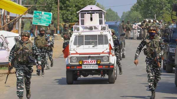 Local Lashkar-e-Tayiba and foreign terrorist behind Sopore terror attack
