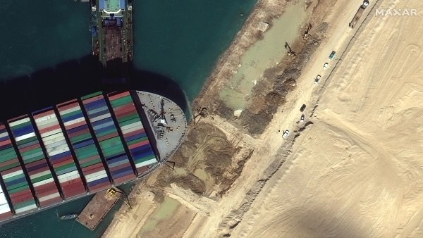 Suez Canal: Satellite images show traffic at canal, massive rescue efforts