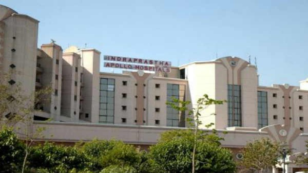 Delhi: 60-year-old COVID patient dies waiting for bed; family attacks Apollo hospital staff