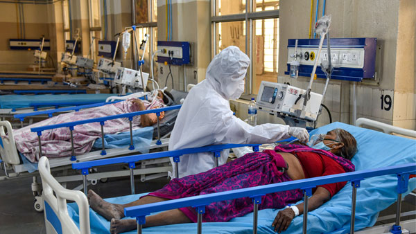 Tamil Nadu: Current COVID wave is like a 'tsunami,' says official; state reports 17,897 new cases, 107 deaths