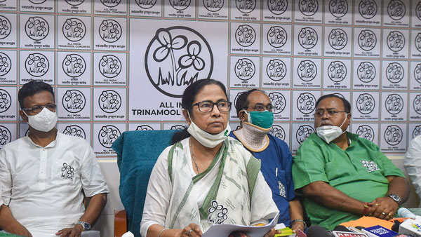 Mamata gets second EC notice in 2 days: This time for central forces comment