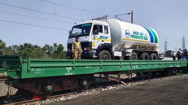Oxygen Express train with 30,000 litres of liquid medical oxygen arrives in Uttar Pradesh