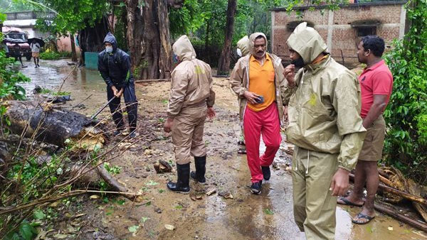 Cyclone Yaas: Heavy rain lashes several districts in Bengal; 5 killed in incidents of lightning, electrocution