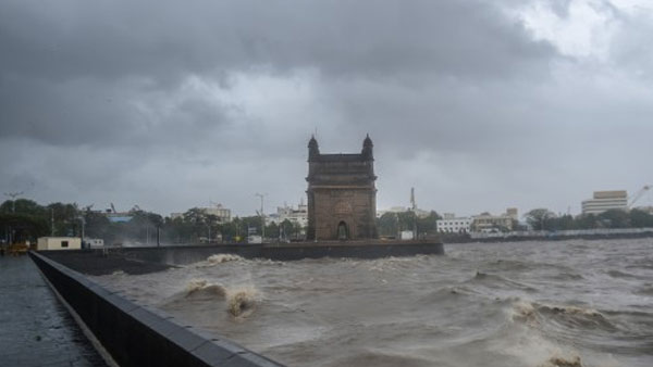 Cyclone Tauktae: High tide likely at 3.30pm in Mumbai; Heavy showers, strong winds lash financial capital