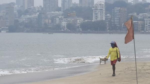 Strong winds hit Mumbai as Cyclone Tauktae takes over Arabian Sea