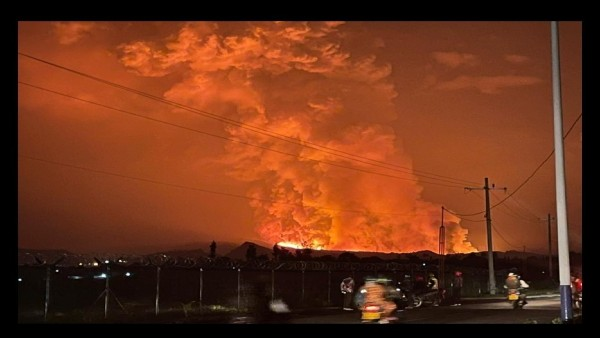 Volcano erupts near Congolese city of Goma, turning skies fiery red; crowds flee towards north or Rwanda