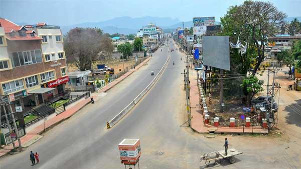 Maharashtra extends lockdown like restrictions till 7 am, June 1