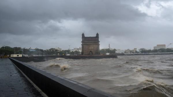 IMD forecasts intense rain likely in Mumbai; 2 dead in Palghar, 1 in Thane