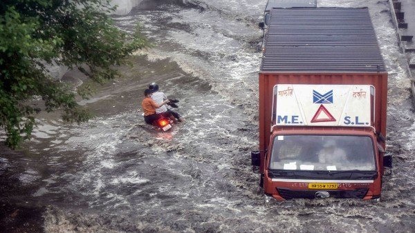 Cyclone Yaas: Kolkata, among other districts to receive moderate rainfall