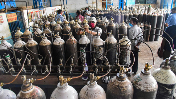 <strong>Two killed several injured in oxygen cylinder blast in Lucknow</strong>