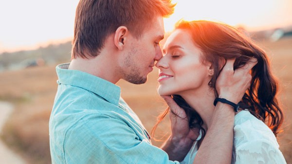International Kiss Day 2021: Here are some of best quotes to share with your loved ones