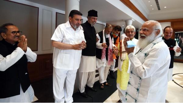 PM Modi tells J&K leader he's committed to restoring statehood