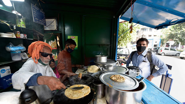 Baba Ka Dhaba owner attempts suicide, hospitalised