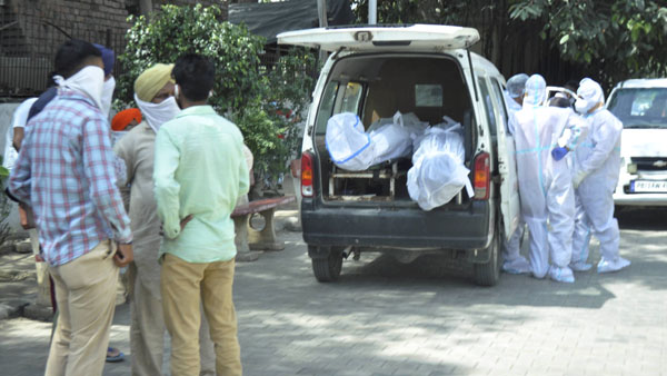 Emotional distress: Bodies of COVID-19 victims can be taken home for 1 hour in Kerala