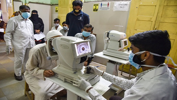 Eyesight in trouble: Lockdown due to COVID-19 increases risk of 'quarantine myopia'