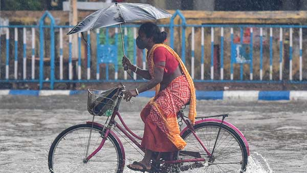 Mumbai rains updates: Uddhav Thackeray visits Disaster Management Cell