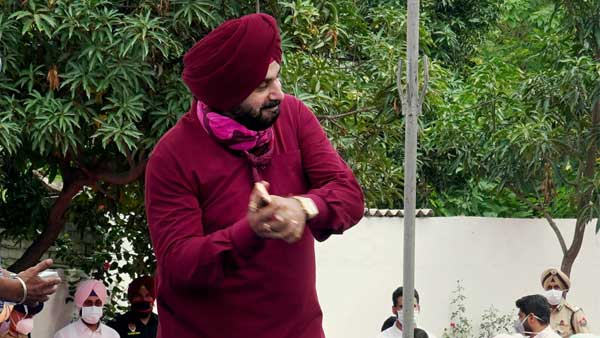 Navjot Singh Sidhu summons advisors after post on Indira Gandhi sparks controversy