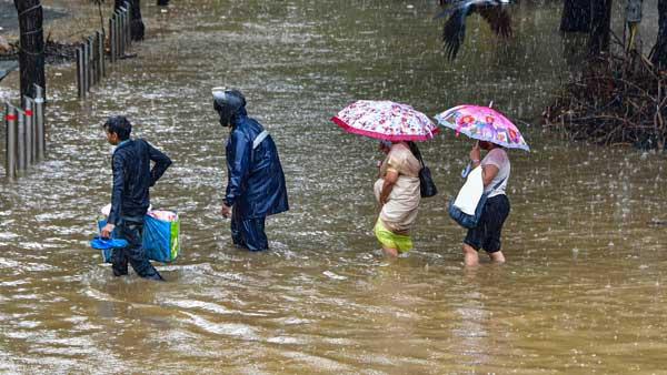 Mumbaikars, brace for intense rain today; Orange alert issued in Navi Mumbai, Thane