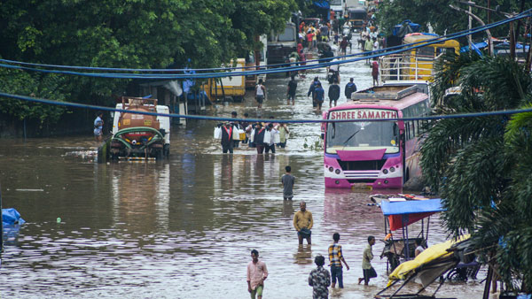 In aftermath of Maharashtra floods, authorities keep guard up to prevent water-borne diseases