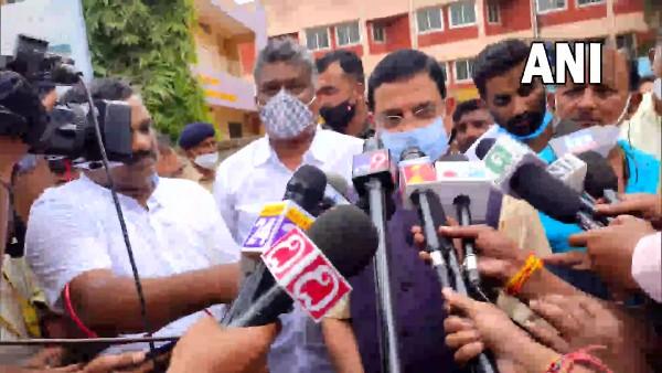 Gujarat: BJP legislators party to meet at 2.30 pm; decision on Vijay Rupani successor likely today